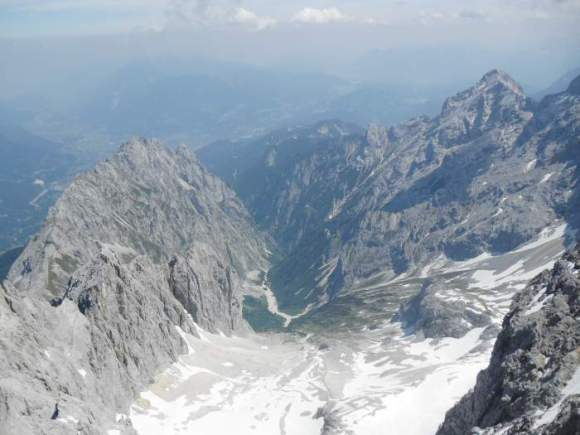 climbing-zugspitze-hell-valley-seen-from-the-summit